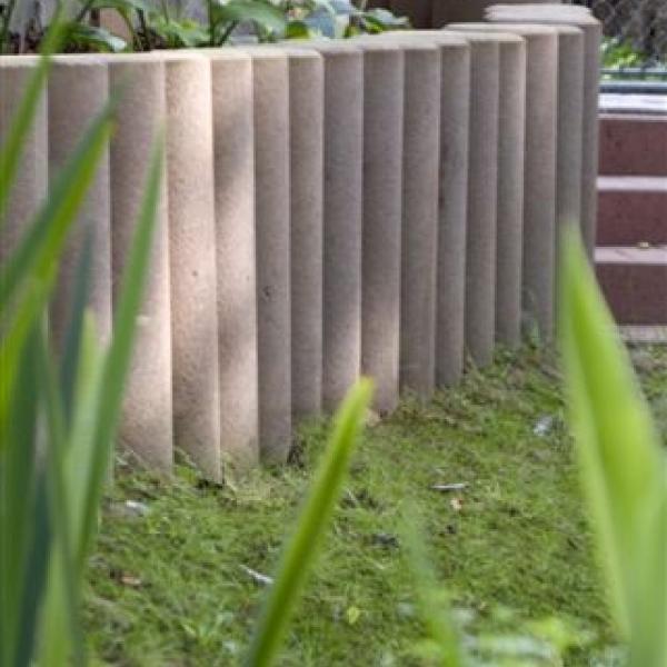 Bordure b ton gedimat materiaux bricolage - Bordures de jardin en ciment ...